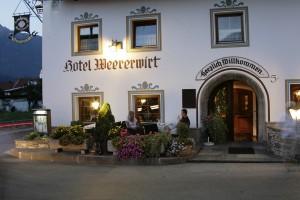 Im Unterinntal in Tirol gelegen ist Weer seit Jahrtausenden ein beliebter Ort. Im Weererwirt finden Sie den perfekten Rahmen für perfekte Tage!