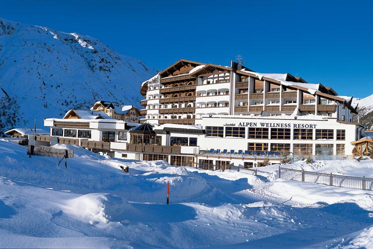 """Das """"Hotel Hochfirst"""" im Winter. Perfekt für Skifahren plus Wellness."""