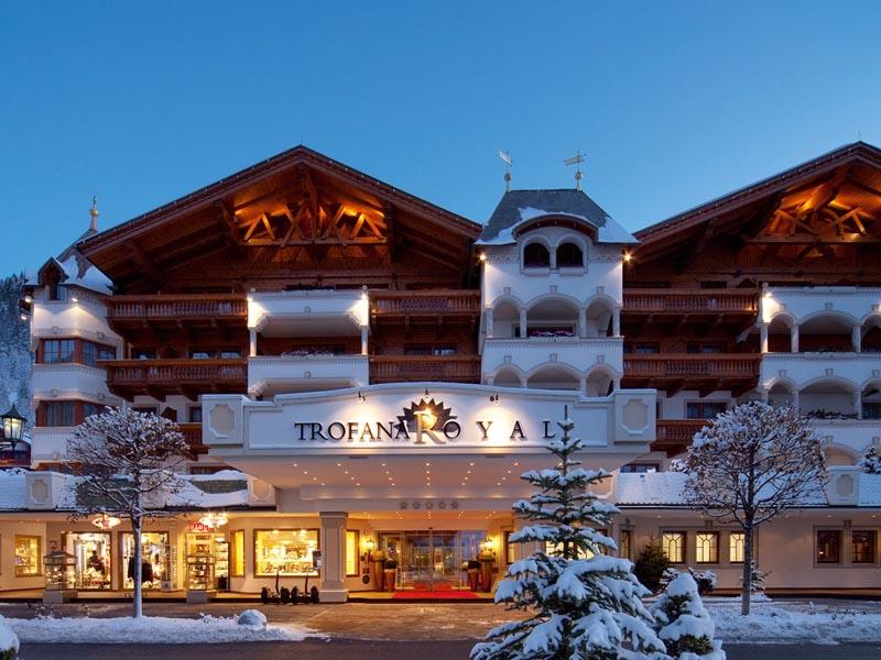 Vielleicht einer der besten Orte für eine Weihnachtsfeier überhaupt: Das Trofana Royal in Ischgl.