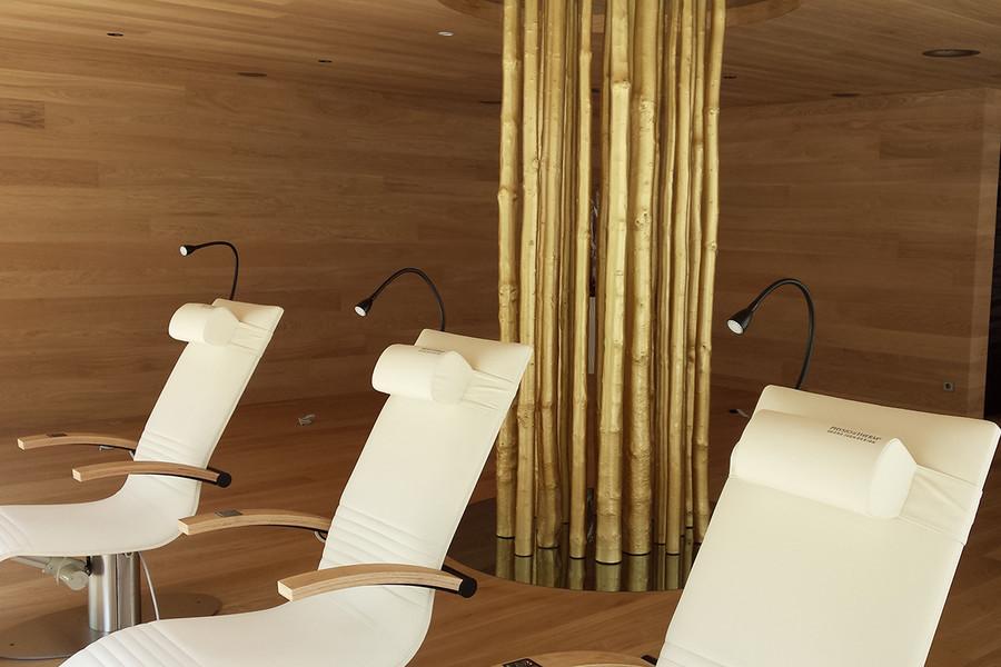 Findest man in diesem Raum im Trofana Royal in Ischgl wirklich Ruhe und Entspannung? Die Chancen stehen gar nicht schlecht...
